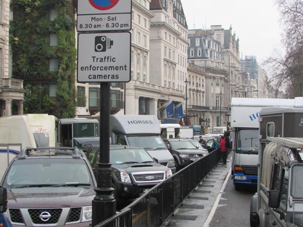 Lorry traffic in London