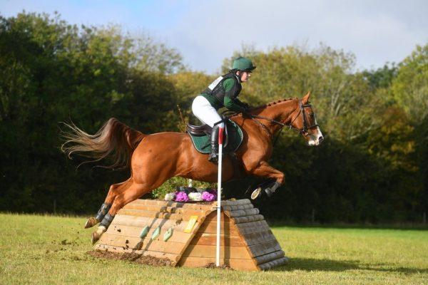 Avonbrook Odin jumping a corner at Calmsden (c) Spidge Photography